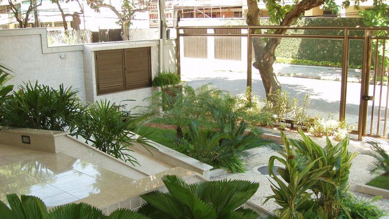 Prédio residencial no Recreio. Atividades: projeto de arquitetura, gerenciamento dos projetos, direção e gerenciamento da obra.
